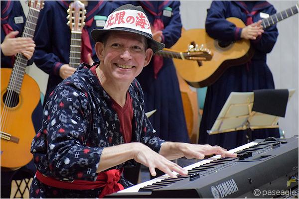 スティーブン・シャーさんのピアノLIVE