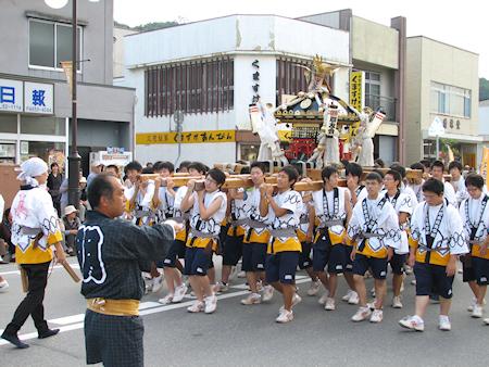 [速報]2010年久慈秋まつり〜中日