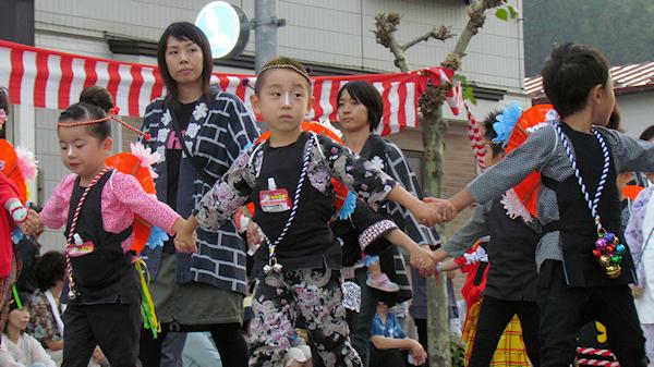 [速報]2011年久慈秋まつり〜お通り
