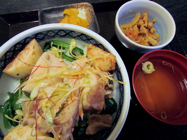 やませ土風館 山海里の県産豚角煮丼