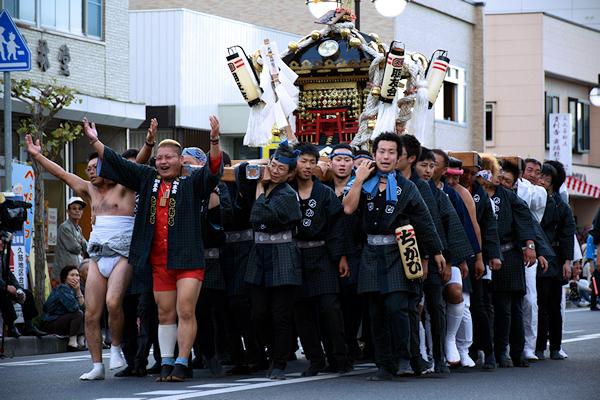 [速報]2014年久慈秋まつり〜お通り