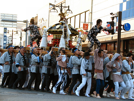2007年久慈秋まつり〜[速報]お通りのもよう